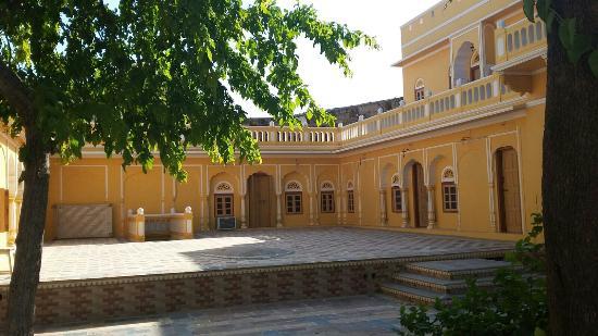 Shekhawati, Inde : Big courtyard