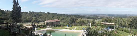 Serre di Rapolano, Włochy: meravigliosa vista dall'agriturismo Scannano
