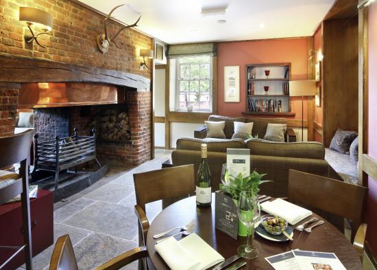 Brook, UK: Cosy bar