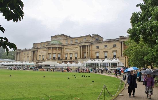 Gift shop buckingham palace aug 2015 picture of buckingham palace