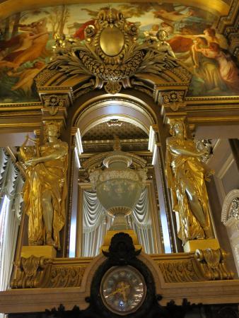 París, Francia: inside opera garnier