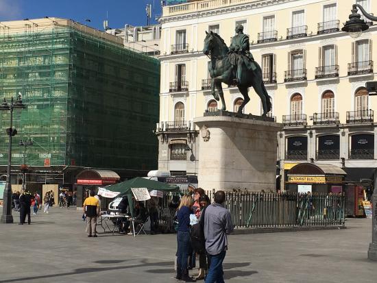 Puerta del sol picture of puerta del sol madrid for Puerta del sol santiago