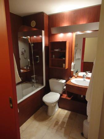 Brit Hotel Bordeaux Aéroport - Le Soretel : バスルーム
