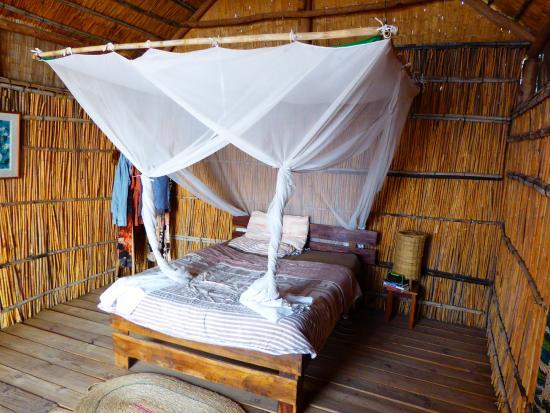 Tuckaways Lodge: Comfortable bed