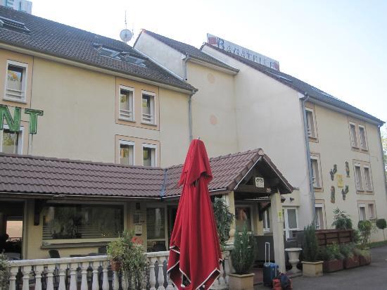 Prim'Hotel Bagatelle : doorgangs hotel