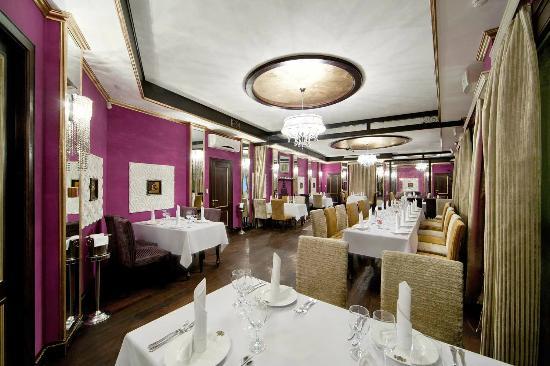 Restaurant Metropole : Quiet and comfortable fireplace room