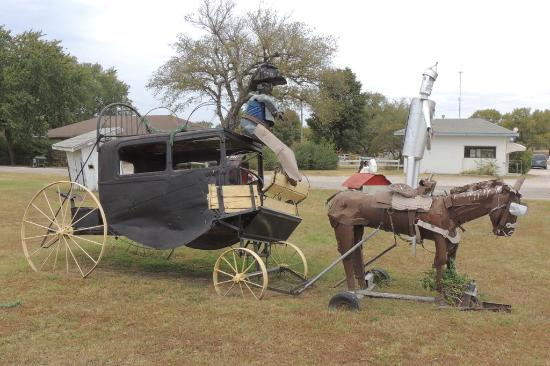 Howard, KS: Stagecoach driven by tinman on a horse