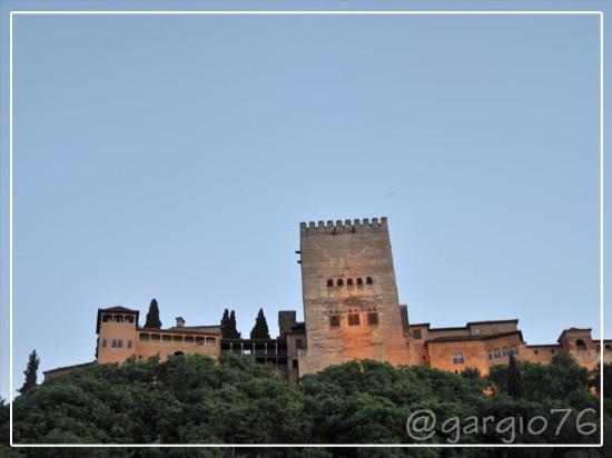 Restaurante Ruta del Azafran: Si cena ai piedi dell'Alhambra
