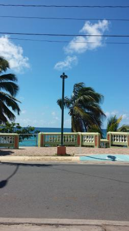 Malecon House: View of street across from hotel.. Beach access. Non swimming beach.