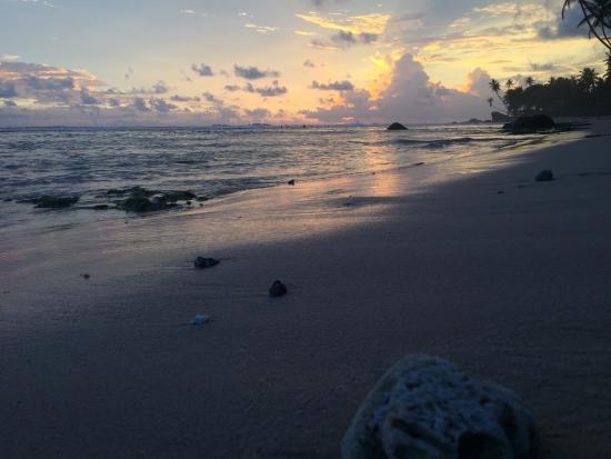 Blue Sky Beach Resort: Sun down