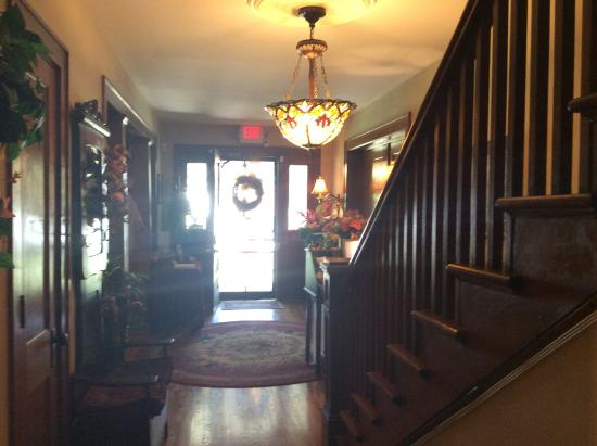 The Minnis House Inn & Guest Cottage: Foyer