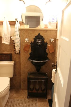 Inn at Twaalfskill: Loved this little Bathroom on the First floor