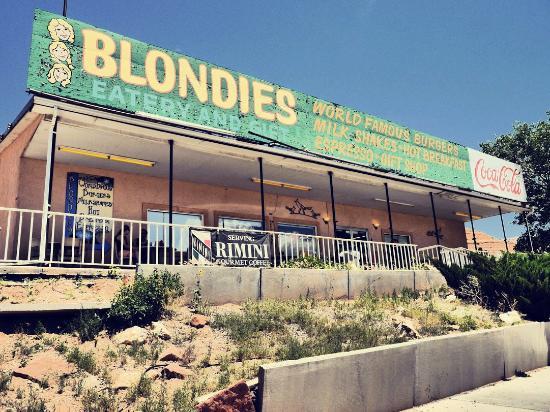 Blondie's Eatery And Gift: Blondies in Hanksville Utah