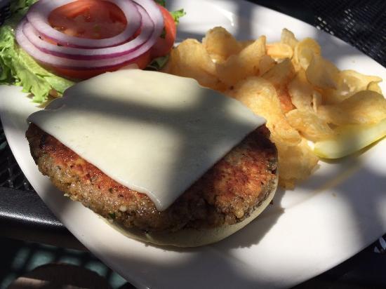 Egg Harbor, WI: Walnut burger.