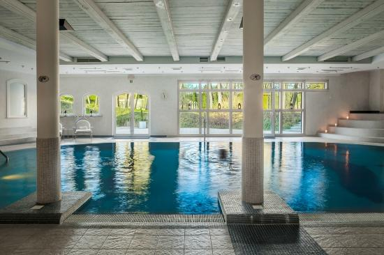 Indoor swimming pool @ Spa Dwor oliwski - Picture of Dwor Oliwski ...