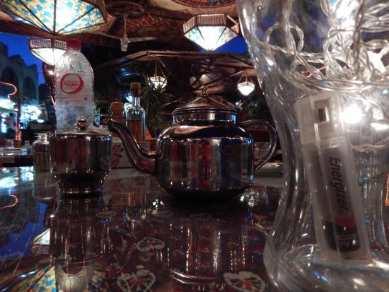 Aladdin Resturant: tea time