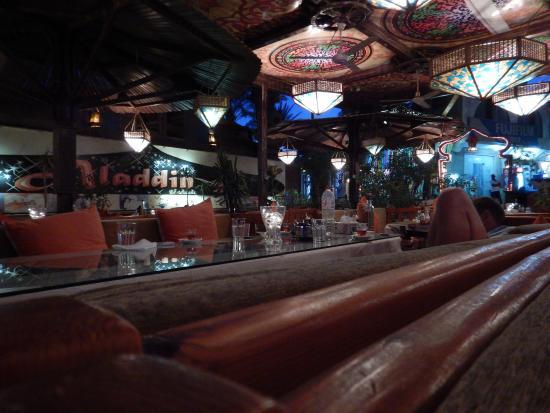 Aladdin Resturant: Dinner time