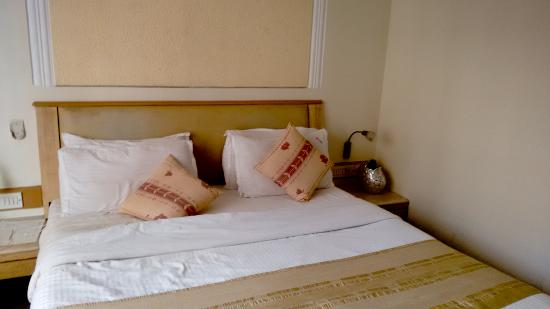 Hotel Suncity Apollo, Mumbai: Inside the Room