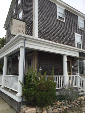 The Paquachuck Inn: The Inn