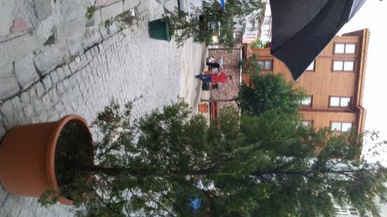 Hotel Aslan Istanbul: street view