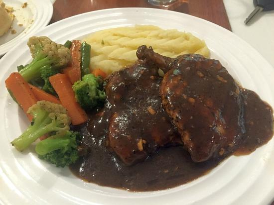 It's9 Bakery Cafe: grilled chicken in pepper sauce