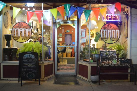 Mana Bar: Exotic Beverages