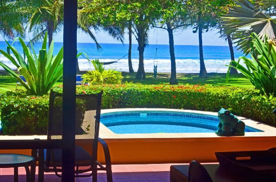 Alma del Pacifico Beach Hotel & Spa: Deluxe Beachfront Villa View