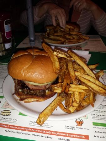 Depew, Estado de Nueva York: Burger & Fries