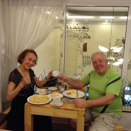 Beautiful Saigon Hotel: Having our delicious breakfast