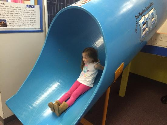 Children's Discovery Museum: Pipe Slide
