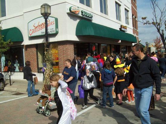 Mount Clemens, MI: Halloween