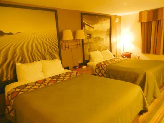 Days Inn Sioux Falls Airport: Sioux Falls Days Inn 2nd floor room