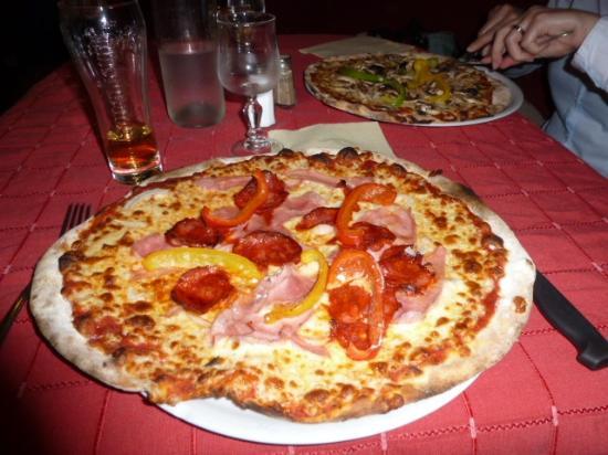 le Caveau : Nice pizza