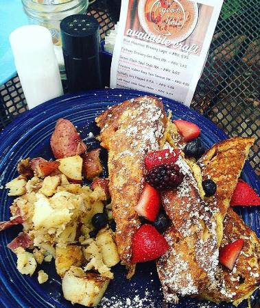 Pigeon Hole : French Toast
