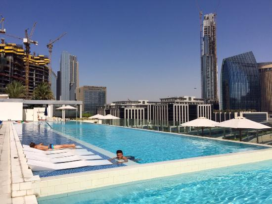 Poolanlage sofitel downtown dubai picture of sofitel for Best hotels in downtown dubai