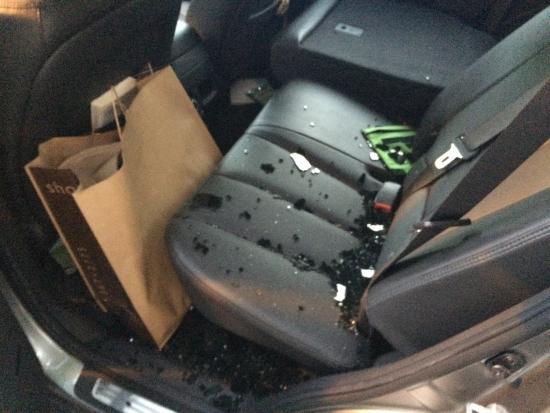 Renaissance Atlanta Midtown Hotel: Car broken into in valet