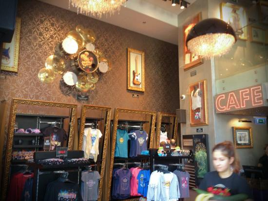 Hard Rock Cafe Budapest Shop