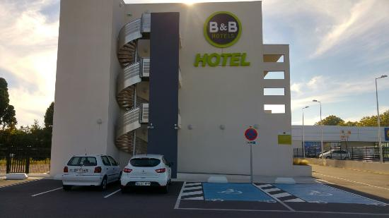 b b hotel perpignan sud photo de b b hotel perpignan sud. Black Bedroom Furniture Sets. Home Design Ideas