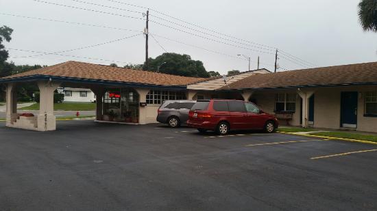 香格里拉汽車旅館