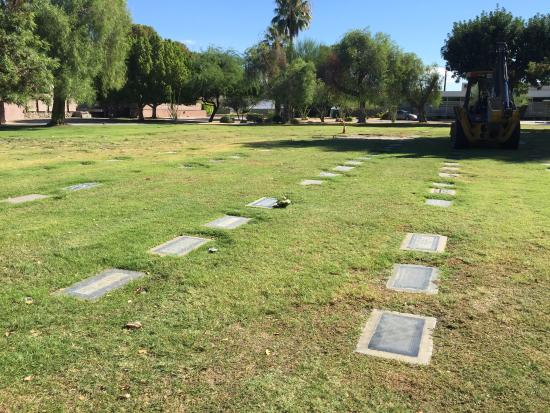 Frank Sinatra Gravesite: Row where Frank Sinatra and family are buried