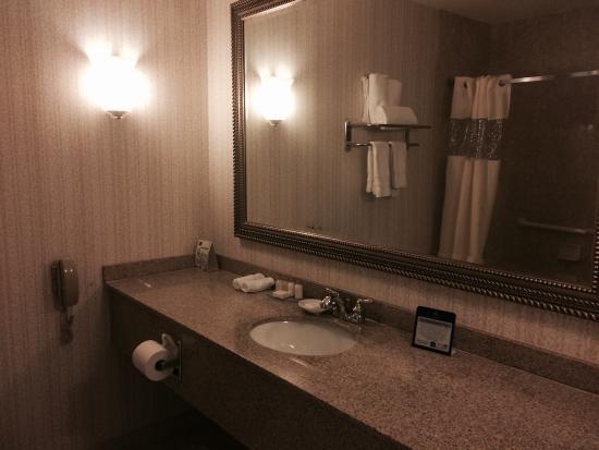 BEST WESTERN Woodbury Inn : Bathroom