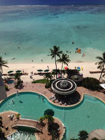 The Westin Resort Guam: 飯店泳池與海灘