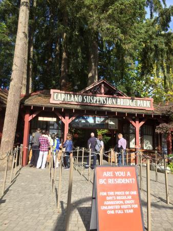 نورث فانكوفر, كندا: entrance