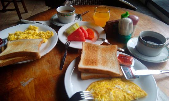 Rosani Hotel: завтрак