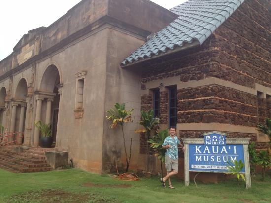 Kauai Museum: from outside