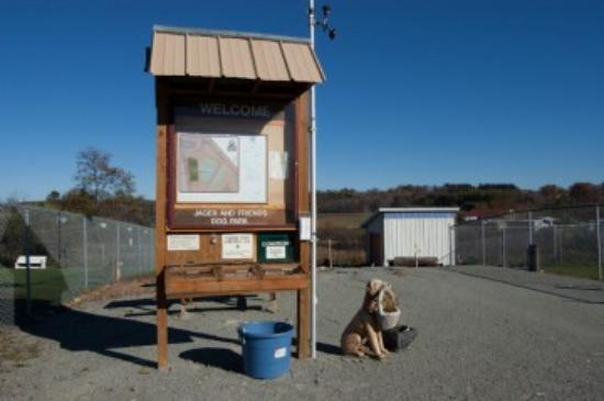 Somerset, Πενσυλβάνια: Jager and Friends a Dog Park Welcome Sign
