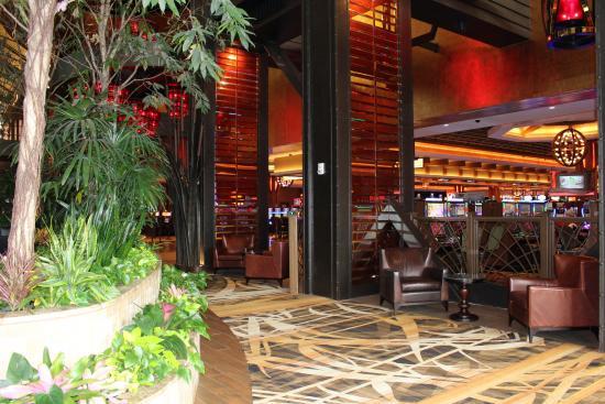 https://media-cdn.tripadvisor.com/media/photo-s/09/23/55/5c/l-auberge-casino-hotel.jpg