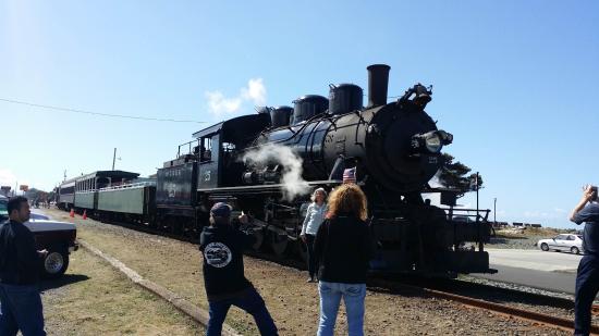 Garibaldi, Oregon: 기차