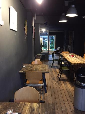 Photo of Cafe Koffie Academie at Overtoom 95, Amsterdam 1054 HD, Netherlands