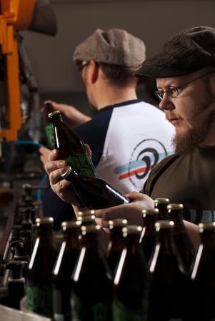 Rekola Brewery bottling / Rekolan Panimon pullotus